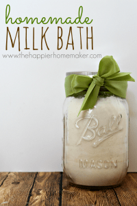 Homemade milk bath is perfect to pamper yourself and make your skin soft, also makes a great DIY gift all packaged up in a mason jar! Perfect or Christmas!