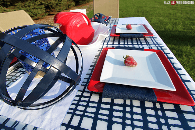 Red, White, and Blue Placesetting for Memorial Day or Independence Day | The Happier Homemaker contributor Trisha D from Black and White Obsession
