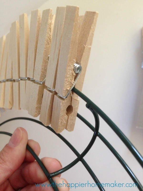 how to make clothespin wreath
