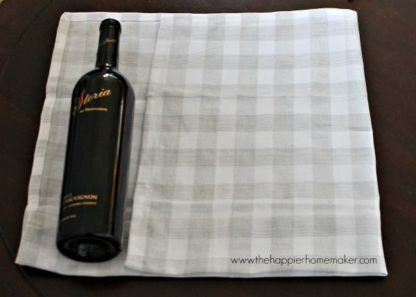 how to wrap wine bottle with towel