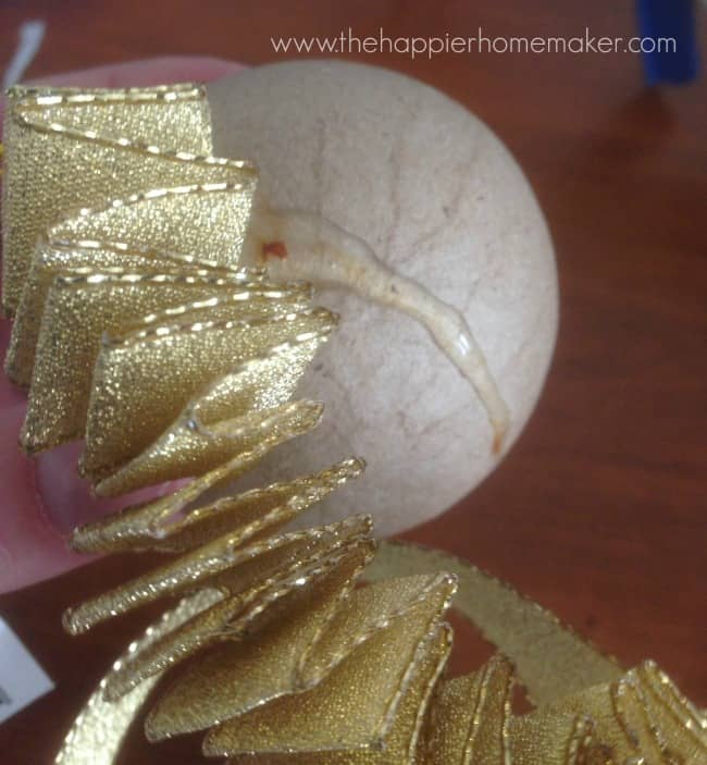 ruffle ornament step by step