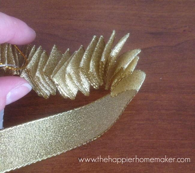 ruffle ornament tutorial