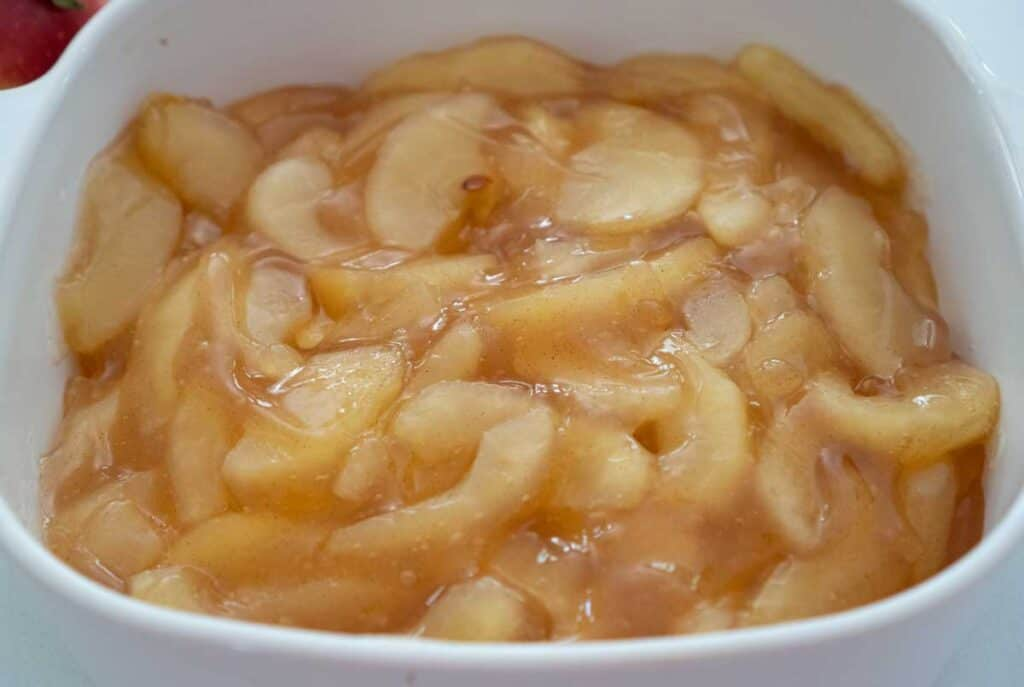 apple pie filling in white casserole dish
