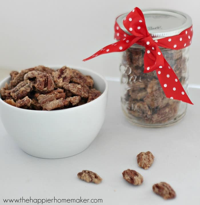 easy cinnamon sugar pecans in bowl and mason jar
