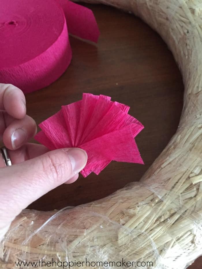 how to make crepe paper ruffle wreath