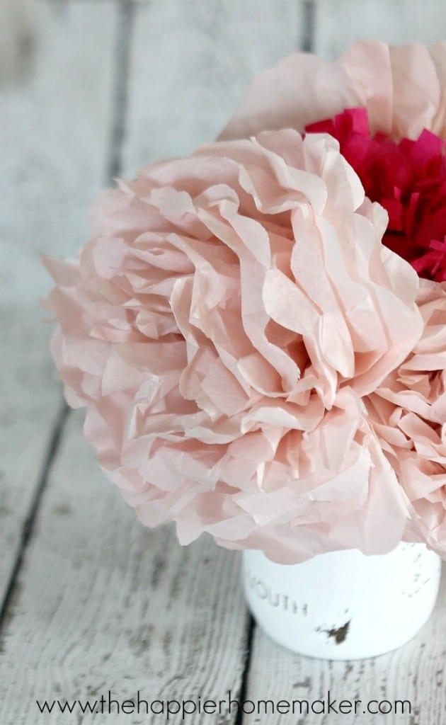 make a tissue paper flower bouquet