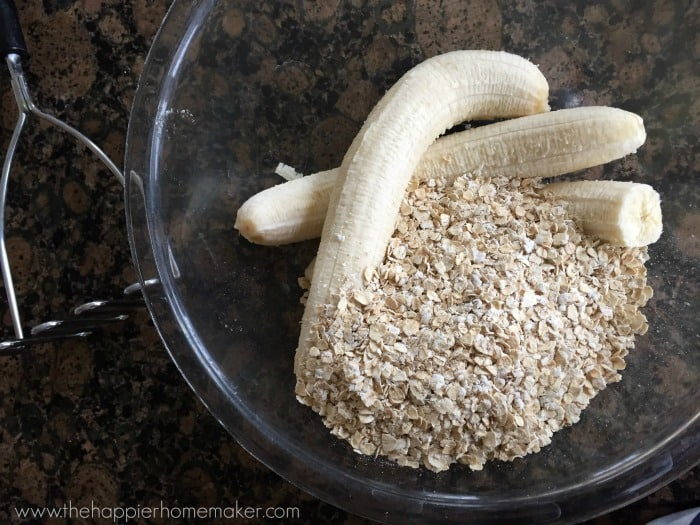 2 ingredient healthy cookie banana oatmeal