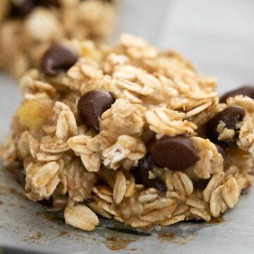 close up chocolate chip banana oatmeal cookie