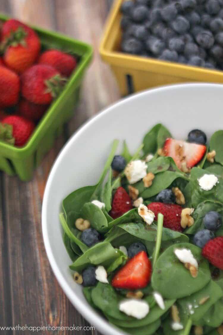 berry walnut balsalmic salad