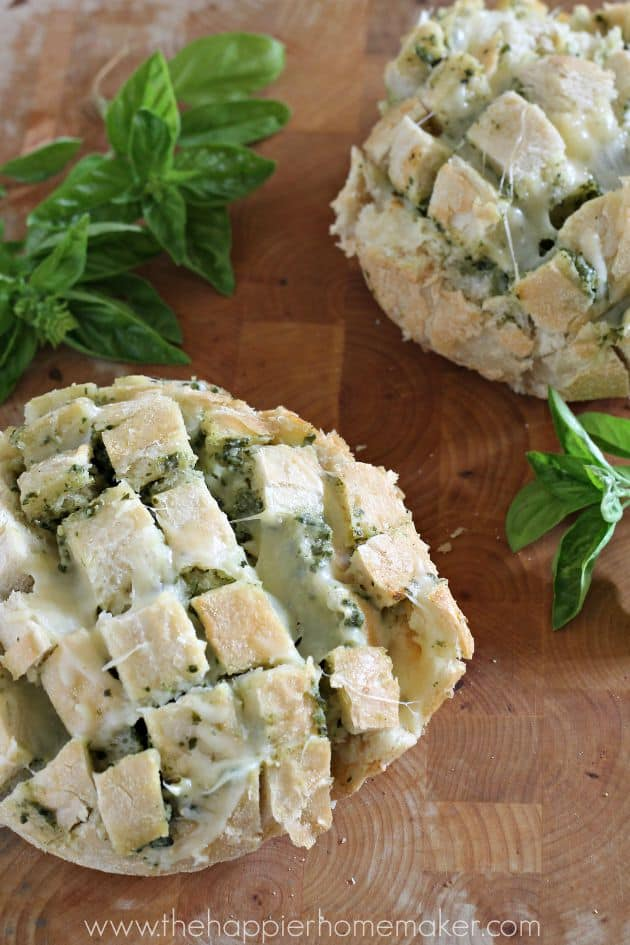 A close up picture of pesto cheesy pull apart bread