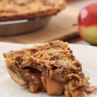Old Fashioned Crumbly Easy Apple Pie Recipe