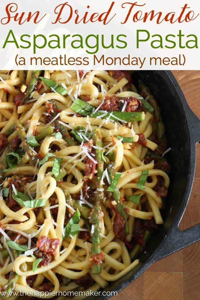 Sun Dried Tomato Asparagus Vegetarian Pasta Recipe- an easy meatless dinner!