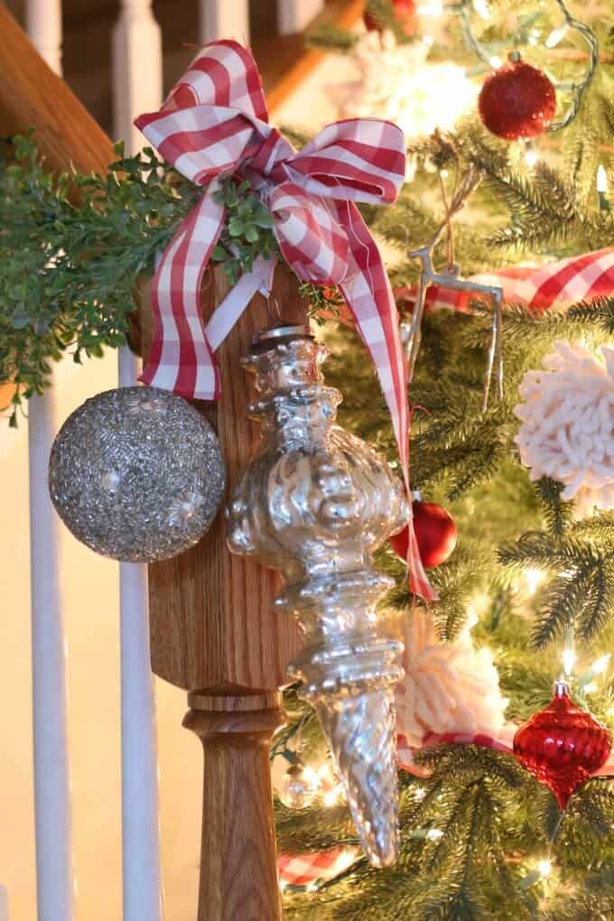 banister christmas decor plaid