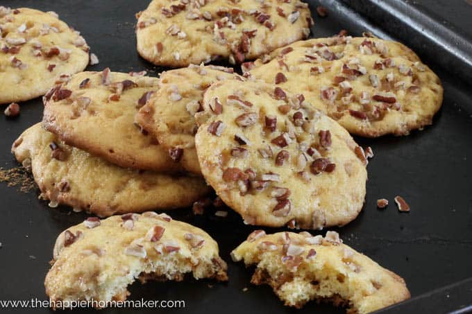 Chewy Pecan Toffee Cookies-4