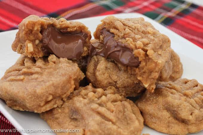 Nutella Stuffed Peanut Butter Cookies-1