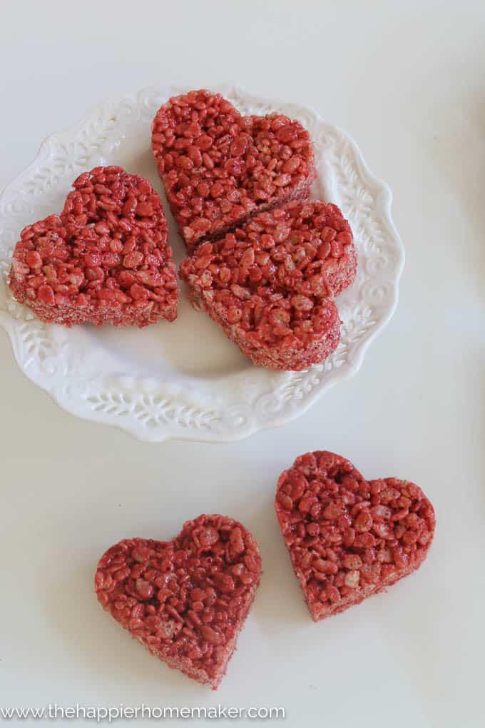 Red Velvet Rice Krispie Treats-3