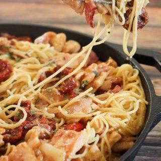 Chicken, Bacon, and Sun Dried Tomato Cheesy Pasta