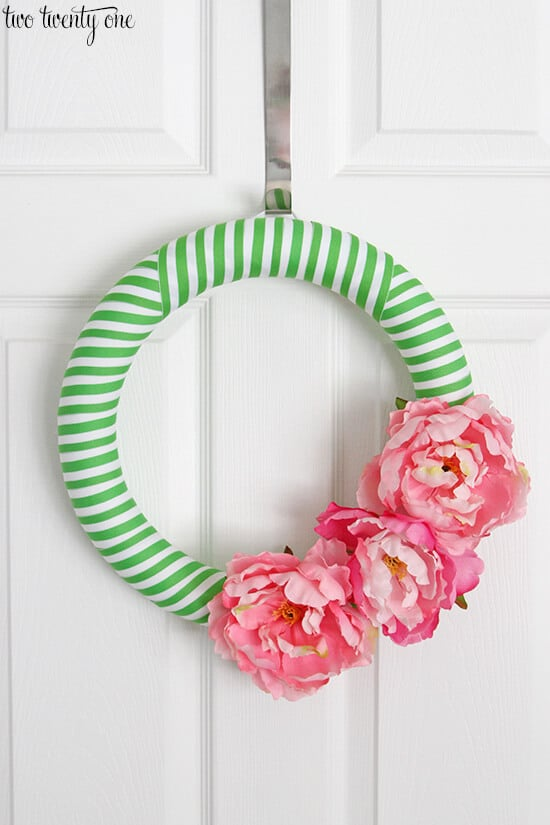 green-and-pink-summer-wreath