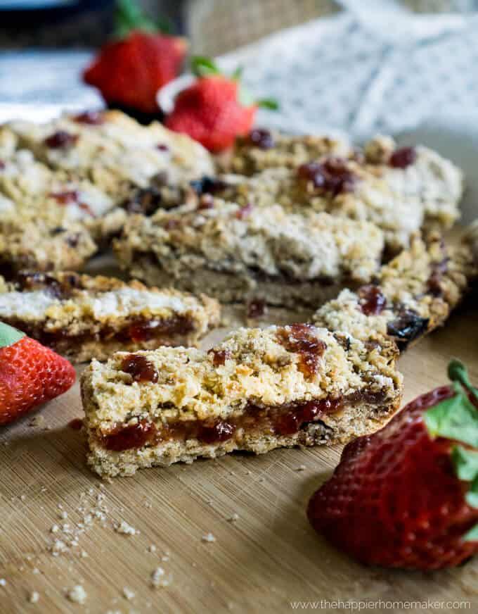 strawberry-oatmeal-bars-recipe