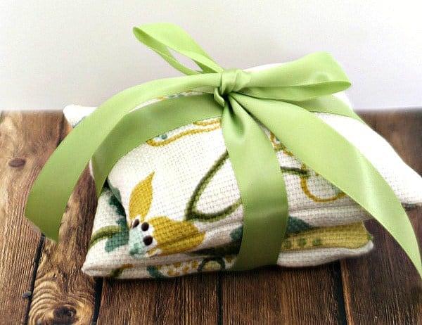 diy-lavendar-sachets-cropped