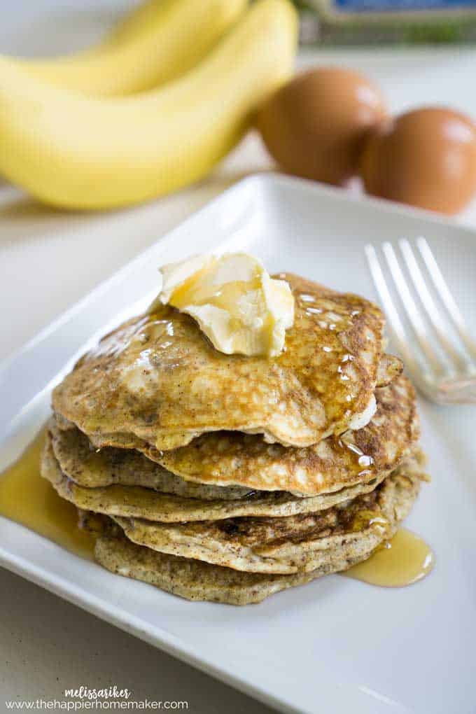 clean-eating-banana-pancakes