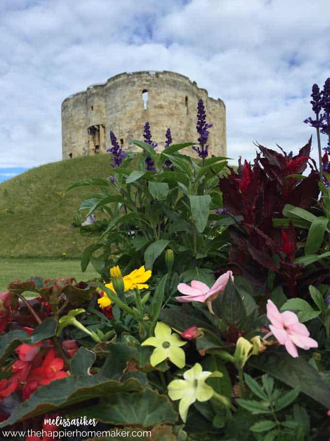 cliffords-tower-york