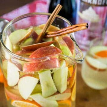 apple pie sangria in pitcher