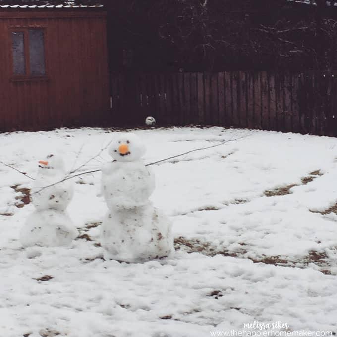 scotland-snowmen
