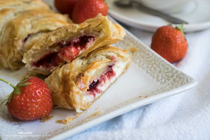 Deceptively easy to make, this strawberry cream cheese danish is perfect for entertaining and takes just a few minutes to make!
