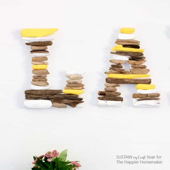 Simple tutorial to make these bright and cheery driftwood monograms! erfect for the cottage, lake house or home.