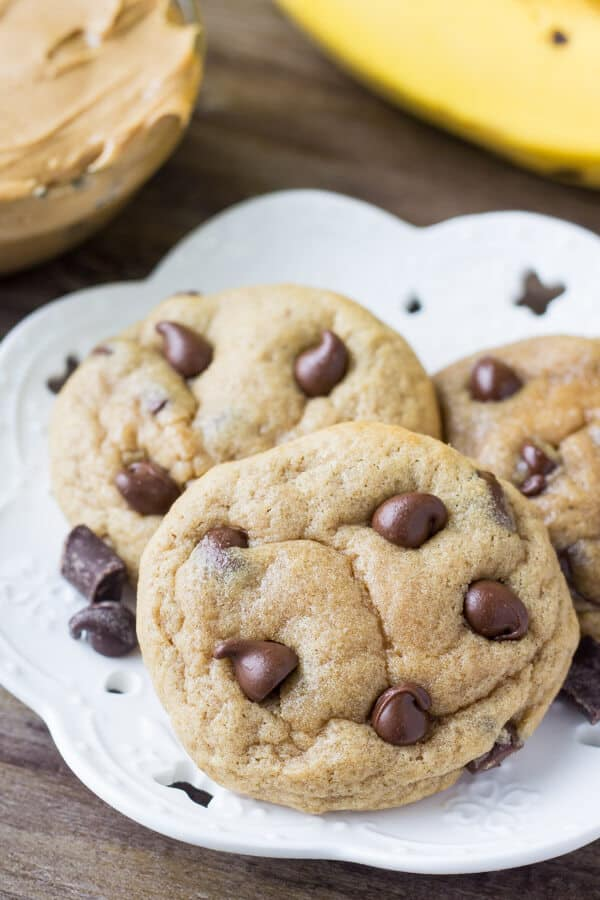 Peanut Butter Banana Chocolate Chip Cookies are extra soft, a little gooey & packed with flavor. If you like your chocolate chip cookies a little cakey – or if you love the combination of peanut butter and banana – then these are for you!