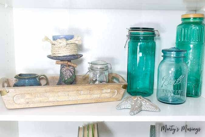 How to Decorate a Home for Practically Nothing When we go on a beach vacation I have my kids hunt for the biggest ones they can find and use them in glass jars or in vignettes.