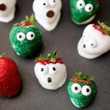 chocolate covered strawberries that look like zombies and ghosts