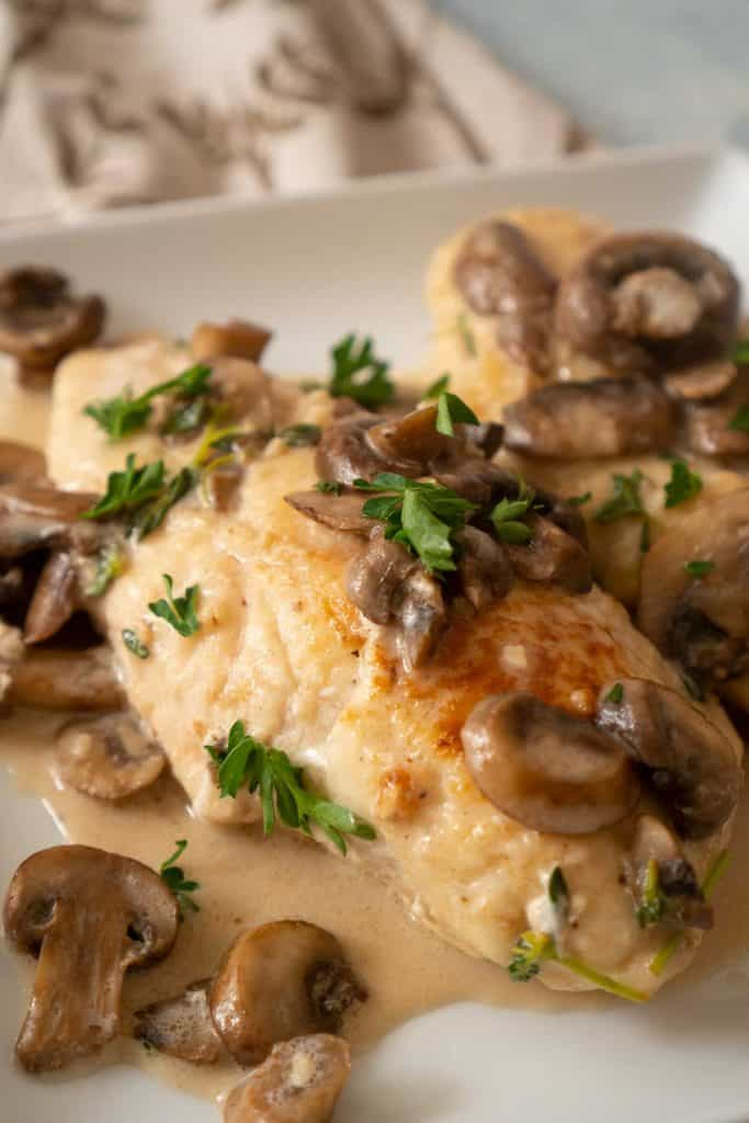 chicken marsala mushrooms herbs sauce