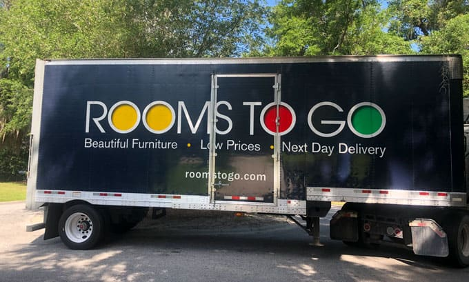 rooms to go delivery truck
