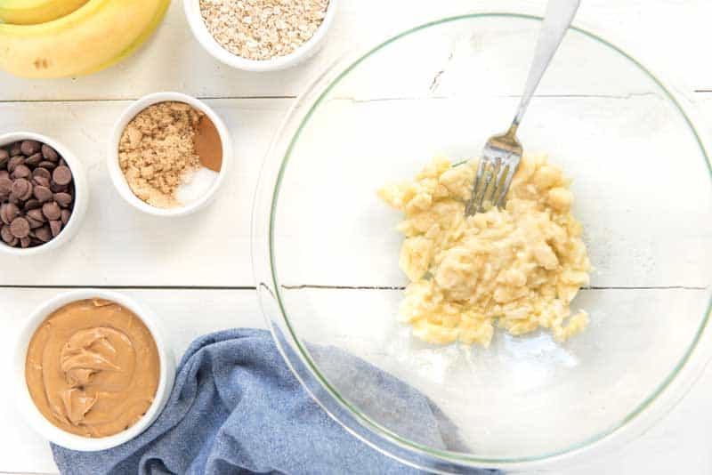 peanut butter oatmeal cookie ingredients
