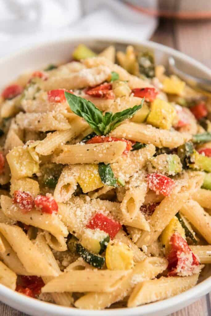 pasta primavera in white bowl
